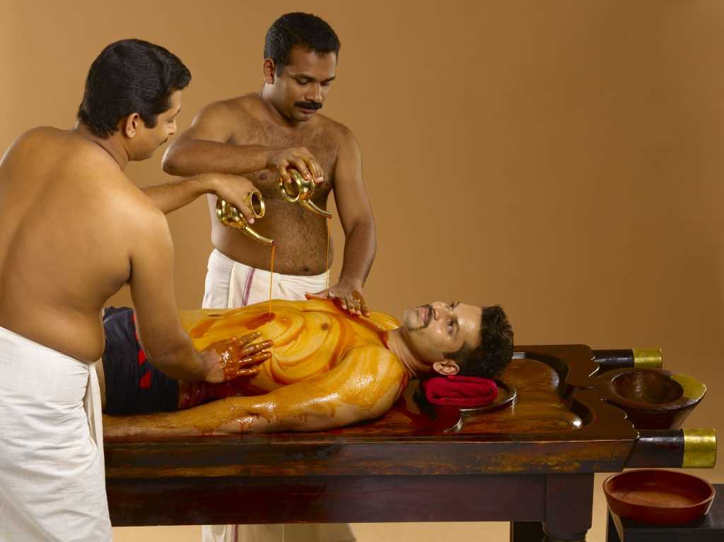 Sarvangadhara with oil ayurveda therapy 1 188 1024x767
